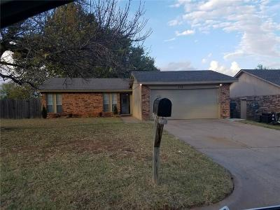 Midwest City Single Family Home For Sale: 115 Cambridge Drive