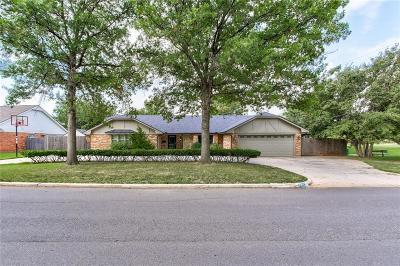 Oklahoma City Single Family Home For Sale: 9813 Lakeshore Drive