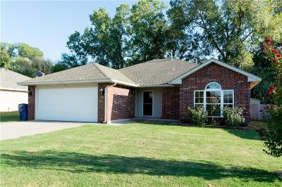 Noble Single Family Home For Sale: 504 Bent Tree Road