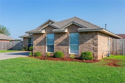 Mustang Single Family Home For Sale: 731 E Pointe Court Court