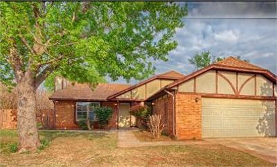 Edmond Single Family Home For Sale: 1300 Pennington Avenue