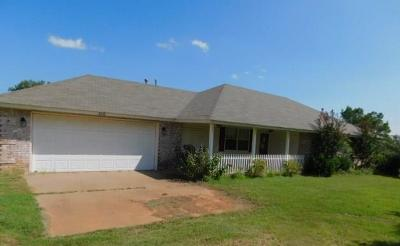 Carney Single Family Home For Sale: 903 S Highway 177