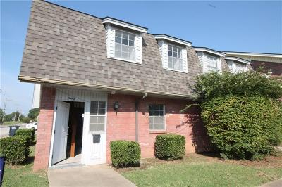 Shawnee Condo/Townhouse For Sale: 3901 N Kickapoo Avenue #30