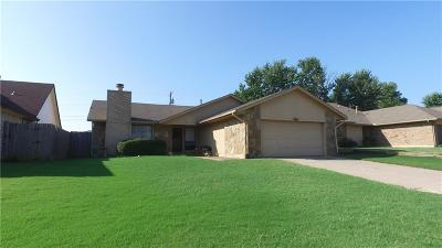 Midwest City Single Family Home For Sale: 9924 Crest Drive