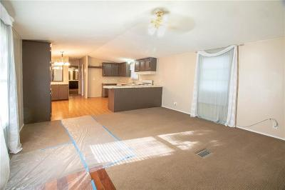 Guthrie Single Family Home For Sale: 6981 S Midwest