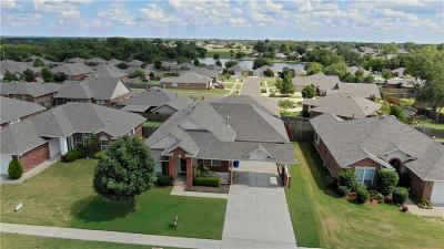 Norman Single Family Home For Sale: 509 Lone Oak Drive
