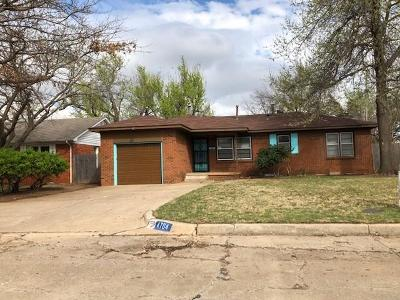 Warr Acres Single Family Home For Sale: 4704 N Sterling