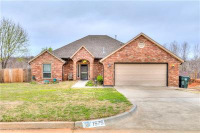 Midwest City Single Family Home For Sale: 1975 Leslie Beachler Lane