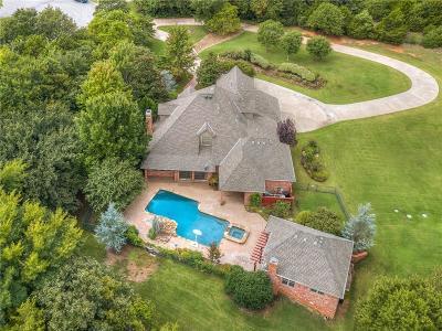 Edmond Single Family Home For Sale: 24 Kimberwick Circle
