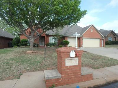 Midwest City Single Family Home For Sale: 617 Crescent