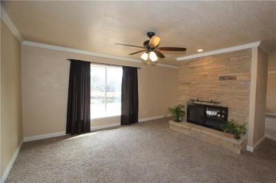 Warr Acres Single Family Home For Sale: 7208 Shoreline