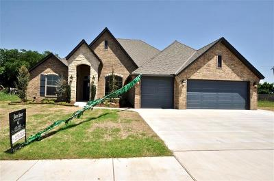 Moore Single Family Home For Sale: 4116 Acoma Drive