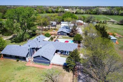 Norman Single Family Home For Sale: 4915 E Cedar Lane