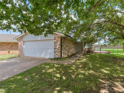Norman Single Family Home For Sale: 2321 Natchez Drive