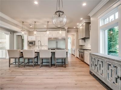 Nichols Hills Single Family Home For Sale: 1601 Glenbrook Terrace