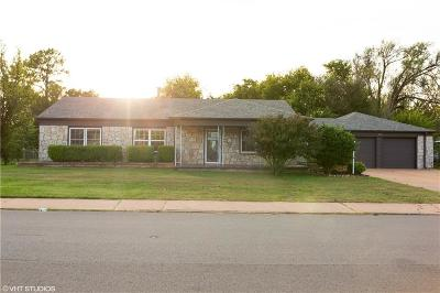 Del City Single Family Home For Sale: 2701 Epperly Drive