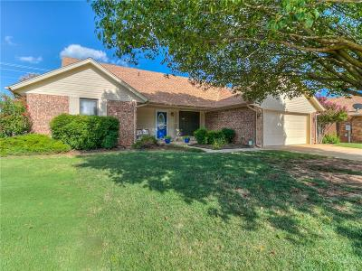 Moore Single Family Home For Sale: 2320 Eastridge Circle