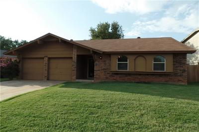 Edmond Single Family Home For Sale: 725 Holly Hill Road