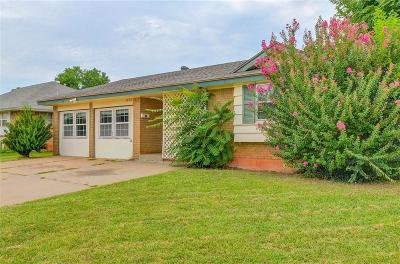 Moore Single Family Home For Sale: 820 N Gale