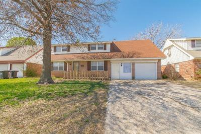 Moore OK Single Family Home For Sale: $119,900