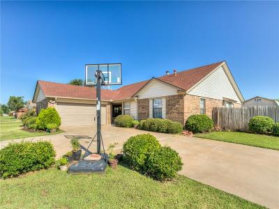 Yukon Single Family Home For Sale: 10001 Dover Drive