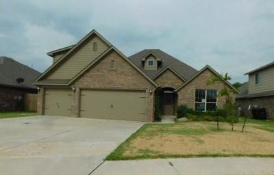 Moore Single Family Home For Sale: 3225 San Juan Trail