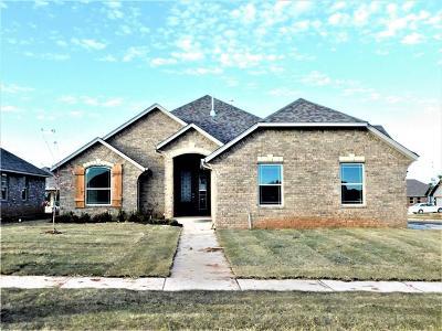 Moore Single Family Home For Sale: 1033 NE 33 Terrace