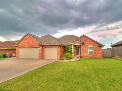 Yukon Single Family Home For Sale: 128 E Olympic Drive