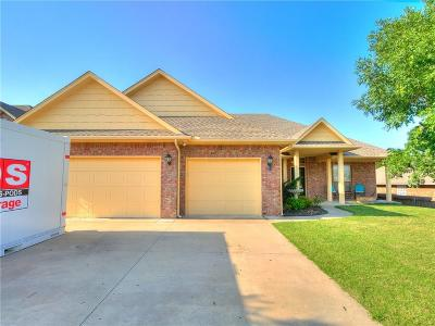 Midwest City Single Family Home For Sale: 11537 Hampton