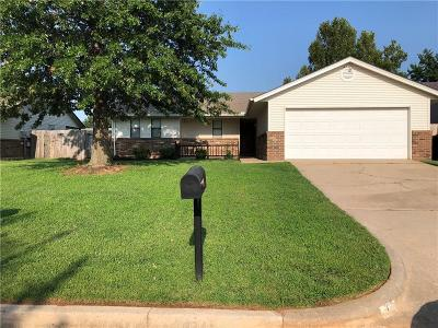 Yukon Single Family Home For Sale: 204 Woodgate