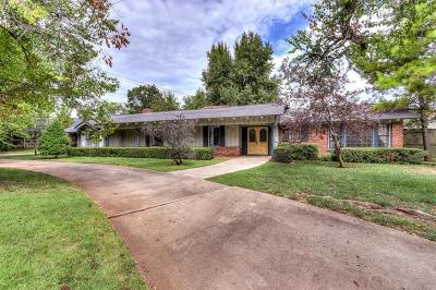 Nichols Hills Single Family Home For Sale: 7714 Dorset Drive