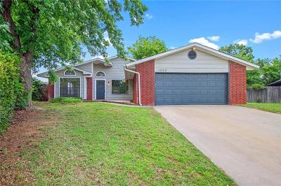 Mustang Single Family Home Pending: 1033 W Ridgehaven Way