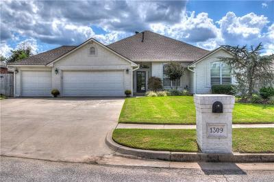 Norman Single Family Home For Sale: 1309 Dustin Drive