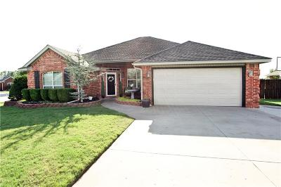 Mustang Single Family Home For Sale: 701 S Kaylee
