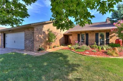Edmond Single Family Home For Sale: 2613 Julies Trail