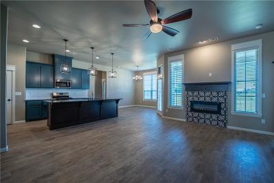 Single Family Home For Sale: 2916 Southampton Drive