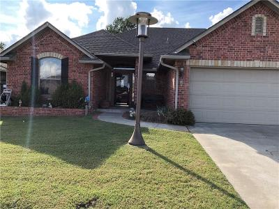 Midwest City Single Family Home For Sale: 205 Stoneridge Lane