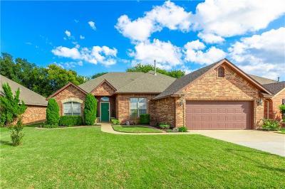 Moore Single Family Home For Sale: 4220 Mackenzie Drive