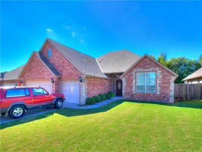 Midwest City Single Family Home For Sale: 921 Covington Lane