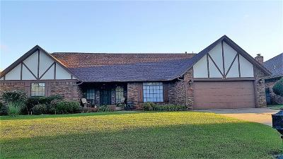 Warr Acres Single Family Home For Sale: 6108 W Gun Hill Way