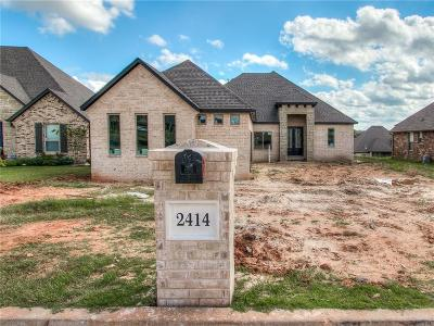 Single Family Home For Sale: 2414 Shady Hollow