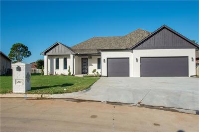 Single Family Home For Sale: 209 Magnolia Ridge