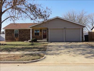 Moore OK Single Family Home Pending: $100,000
