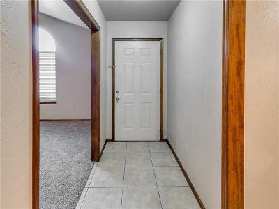 Midwest City Single Family Home For Sale: 8624 E Parkridge Drive