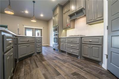 Yukon Single Family Home For Sale: 709 Chisholm Trails Drive