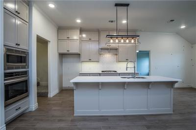 Single Family Home For Sale: 1009 NE 34th Terrace