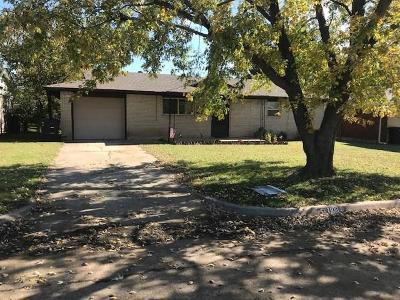 Single Family Home For Sale: 1108 Elmhurst