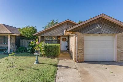 Edmond Single Family Home For Sale: 26 W Colcord