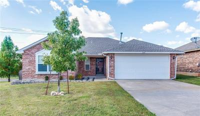 Moore OK Single Family Home For Sale: $150,000