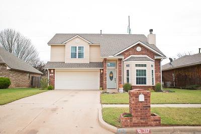 Norman Single Family Home For Sale: 317 Ridge Bluff Drive